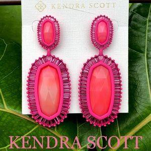 KENDRA SCOTT Kaki statement earrings MAGEN…